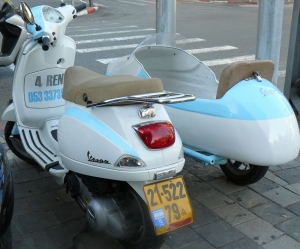 Sweet Tip Travel Vespa