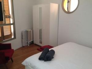 Rental Apartment TDHR Clock 2
