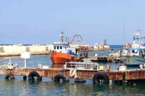 Old Jaffa Port-Boat in action