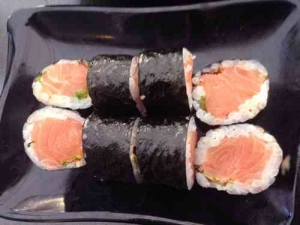 Best Kosher Sushi in Tel Aviv-Salmon Sushi