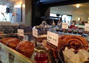 Tel Aviv Cafe & Coffee-Mae-cake display