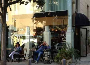 Tel Aviv Cafe & Coffee-Mae-outside