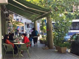 Bialik Street in Tel Aviv-Cafe Bialik
