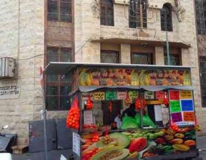 Levinsky market -Tel Aviv- Fruit juice stall