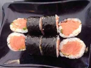 Best Kosher Sushi in Tel Aviv-Salmon Sushi