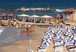 Best Beaches in Tel Aviv-Metzizim