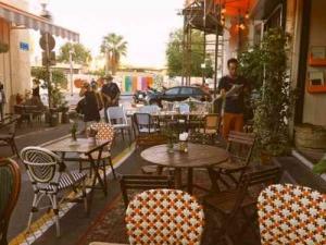 jaffafleamarket-cafe